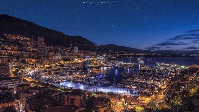 Monaco de nuit.